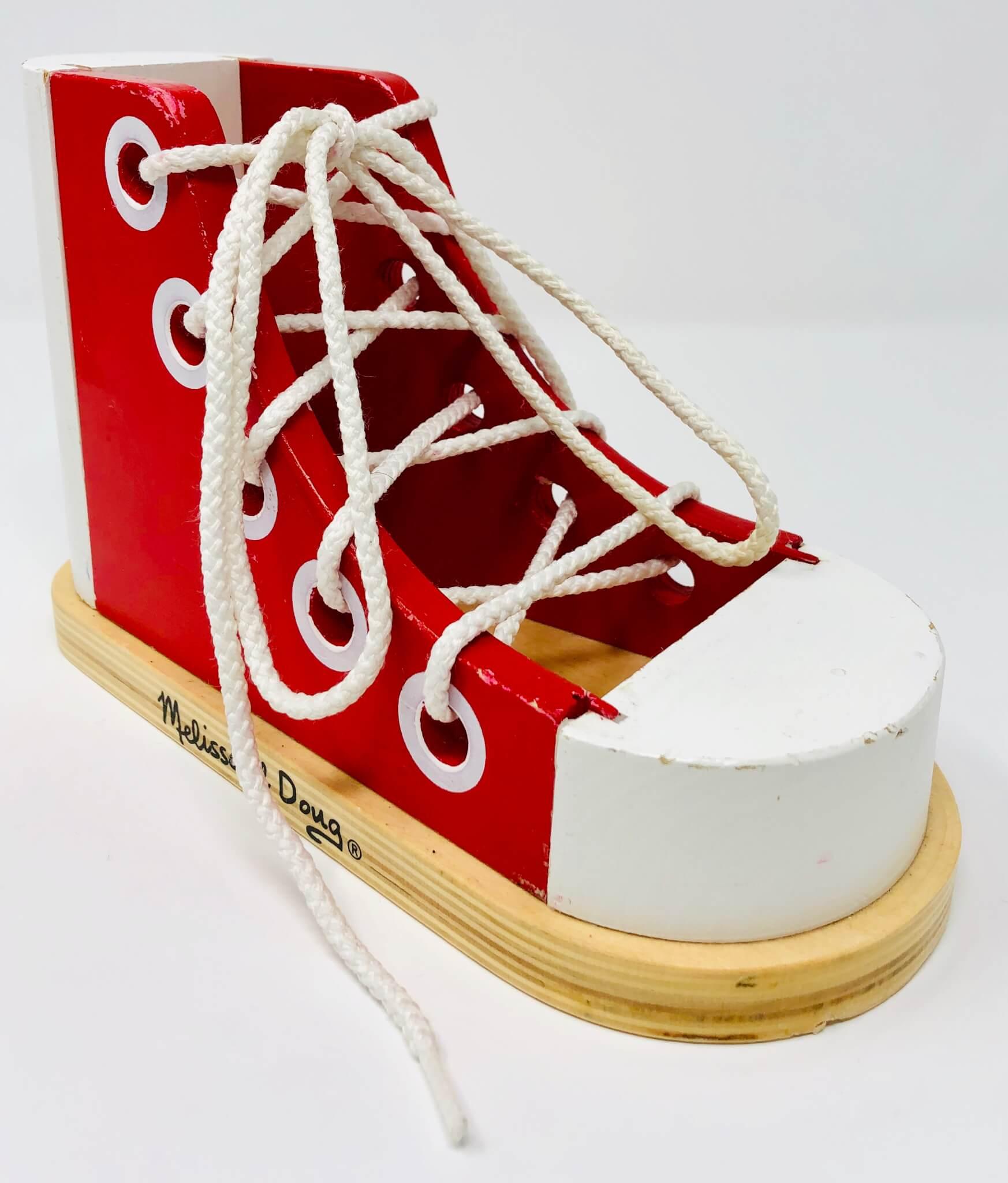 Chaussure à Lacer  (Melissa & Doug)